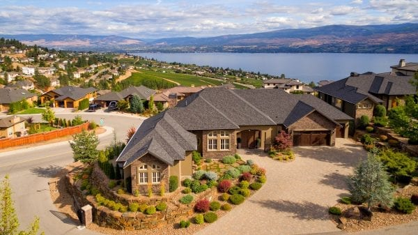 1524 Vineyard Drive listed by Domeij and Associates