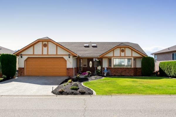 1649 Sonora Drive listed by Domeij and Associates