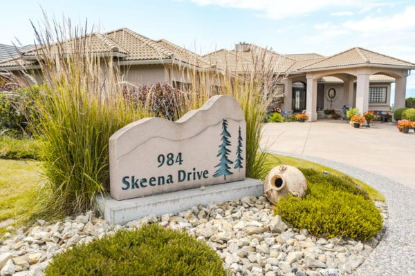 984 Skeena Drive Dilworth Mountain listed by Domeij and Associates